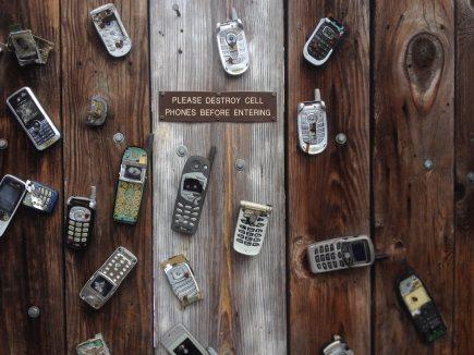 antique-broken-cell-phone-270257